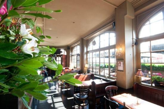 Queen Adelaide Shepherd's Bush Pub