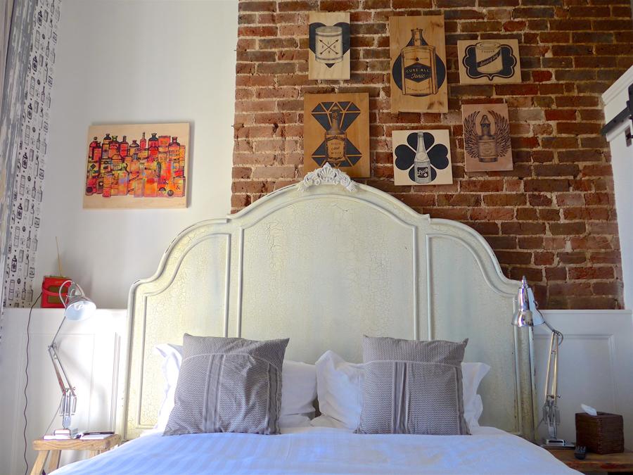 Artist Residence Brighton guestroom