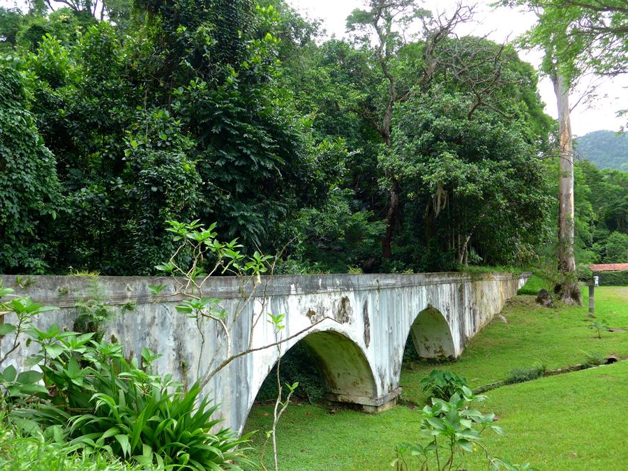 Botanical Garden Rio de Janeiro - Jardim Botanico do RIo de Janeiro - aqueduct