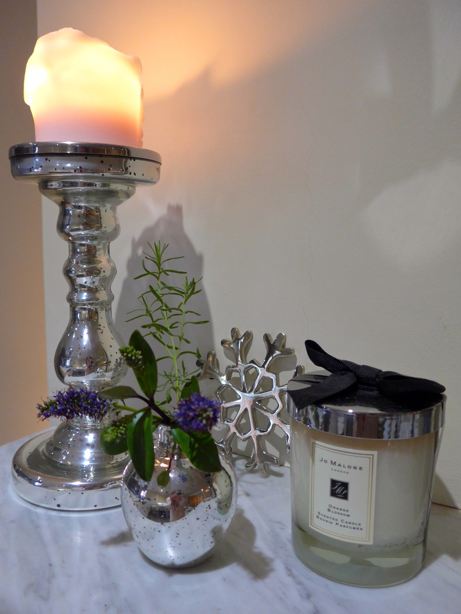 Creating-Hygge-atmosphere---Candles-and-vases---Jo-Malone---The-White-Company