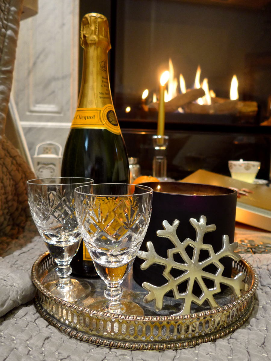 Creating-a-Hygge-atmosphere---Candles-and-champagne