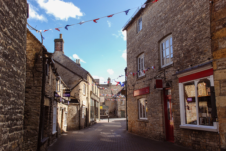 Cotswolds - Stow on the Wold Winding Streets