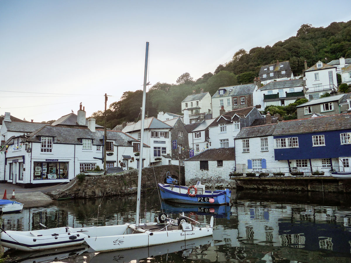 Polperro-Cornwall-Harbour-at-Sunset---Boats-at-sunset---English-seaside-villages