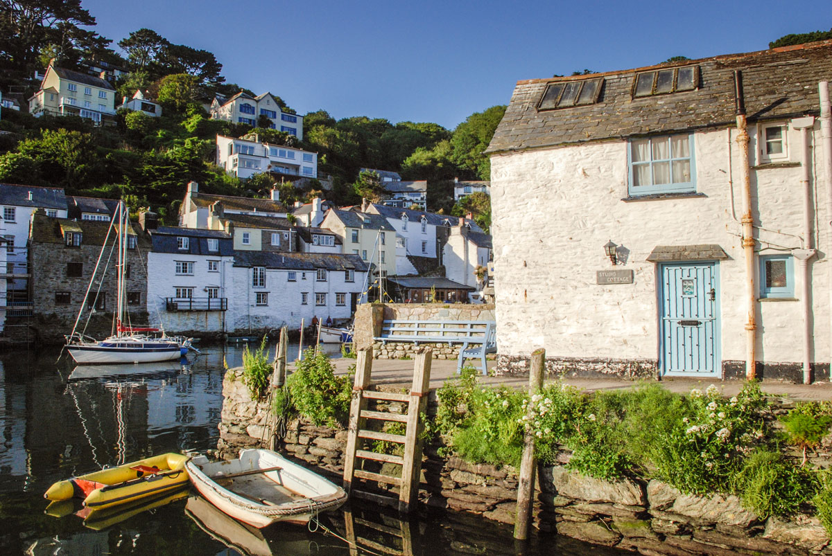 Polperro-Village-Cornwall---English-seaside-villages---Smuggling-village