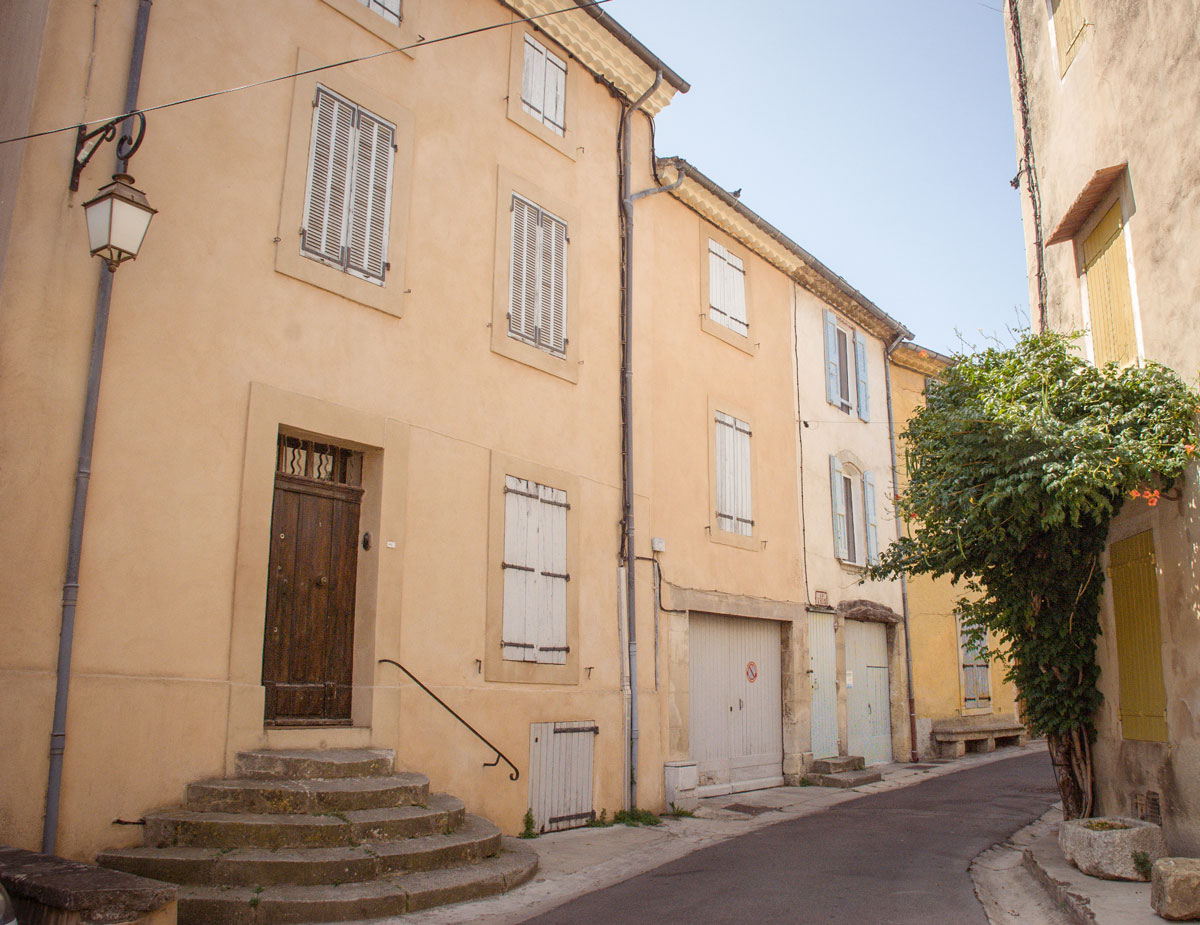 Provence Villages - South of France Provence Luberon - french village streets