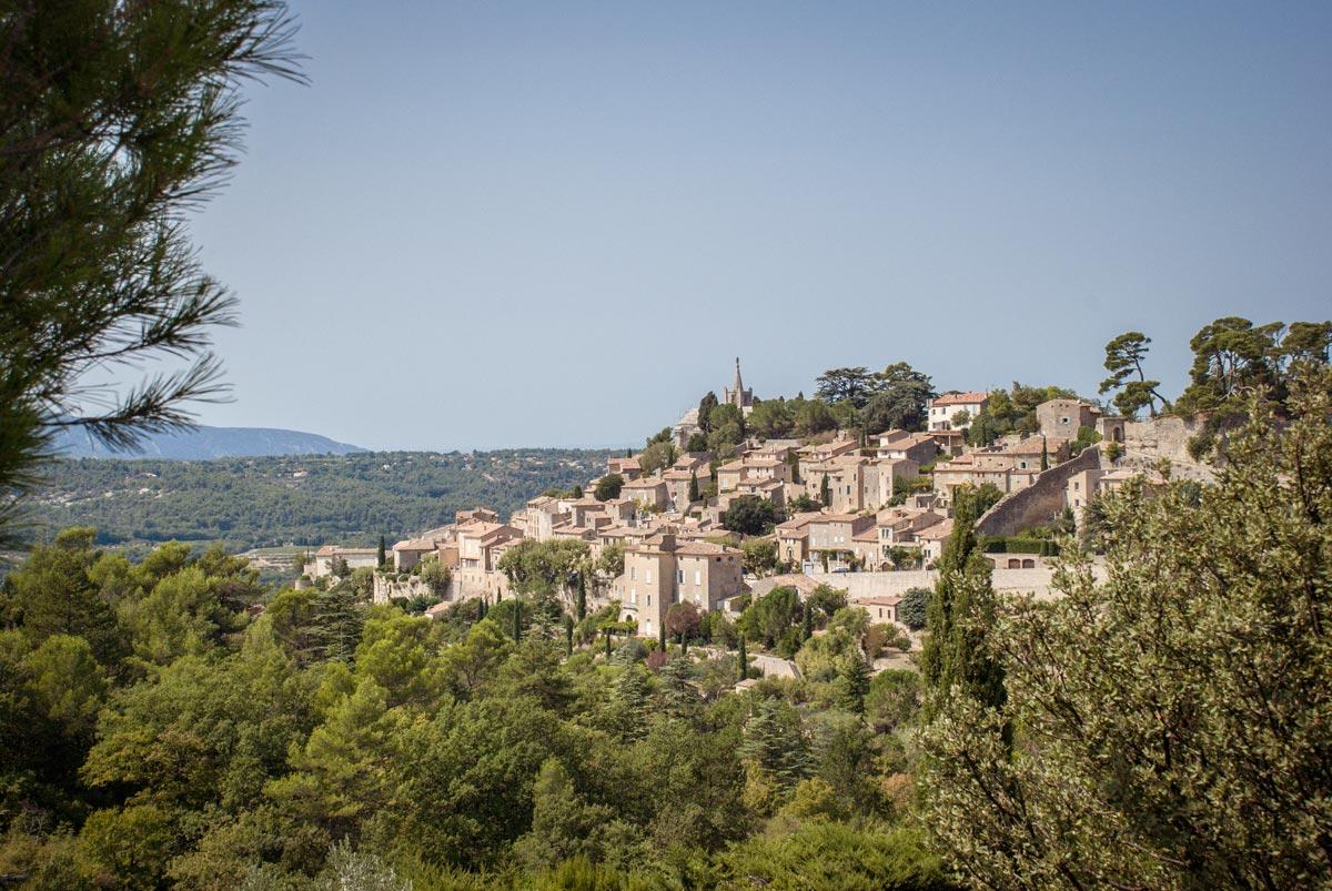 Provence-Villages-South-of-France.-Provence-Luberon.-Bonnieux-hill-village.-Approaching-Bonnieux.-French-Hill-Villages.-Hill-Villages-Provence