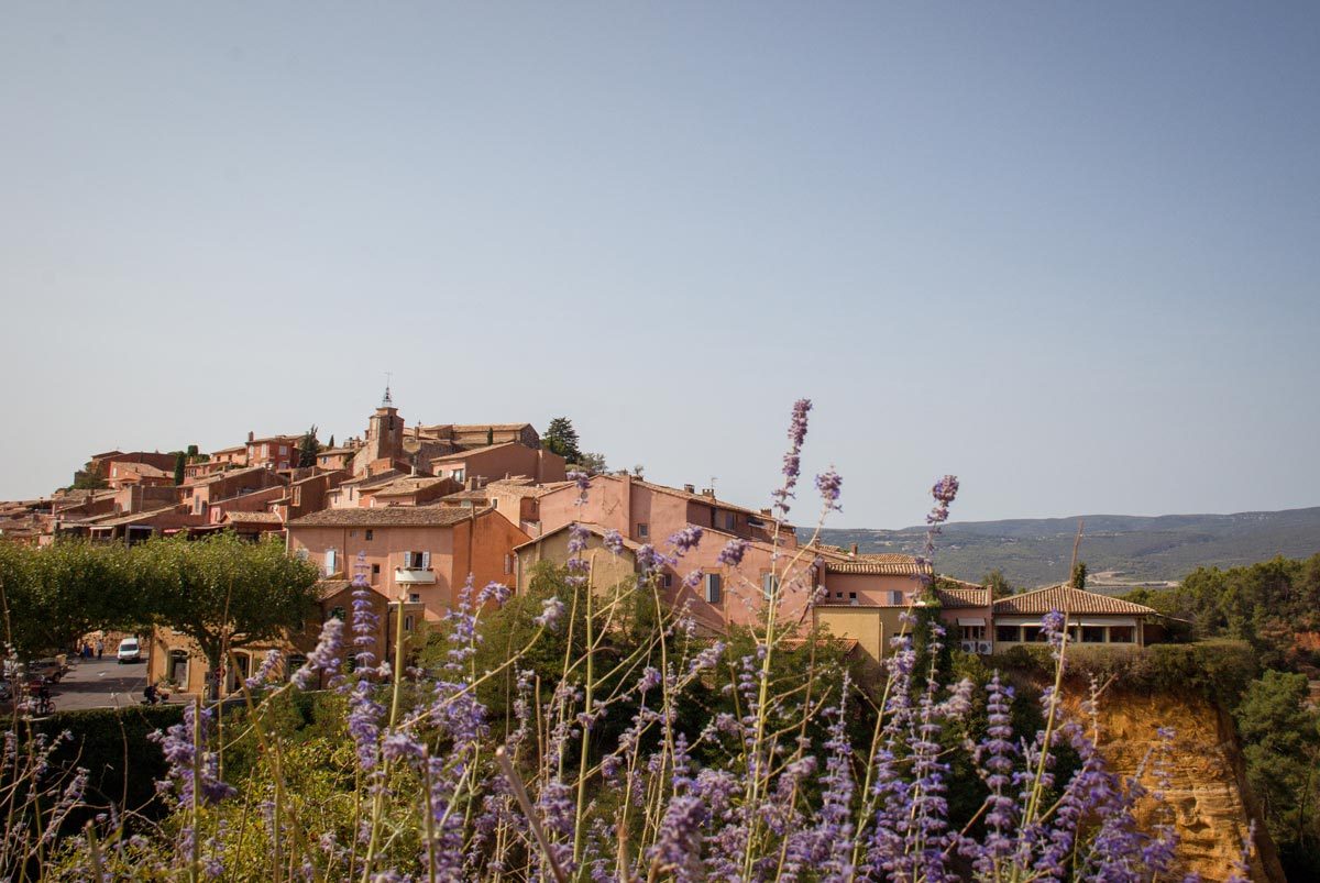 Provence-Villages-South-of-France.-Provence-Luberon.-Roussillon-houses