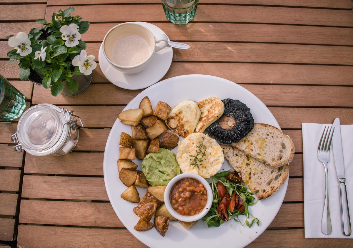 Wild Thyme Shepherds-Bush-vegetarian breakfast