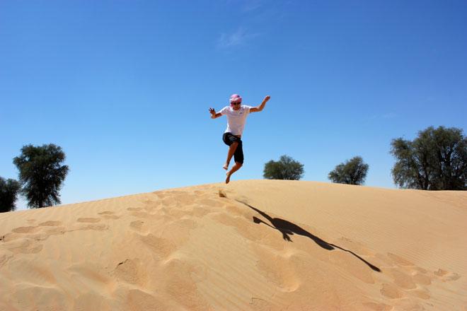 Platinum Heritage - Desert Safari Dubai - Breakfast with a Bedouin - Jumping over sand dunes