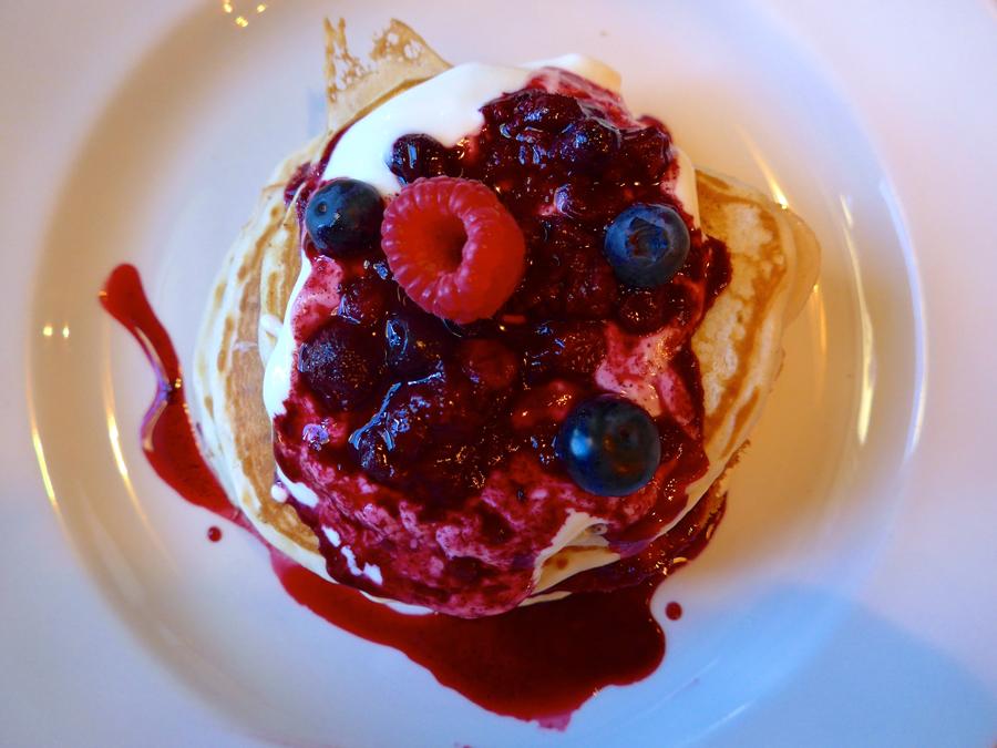 artist-residence-brighton-pancakes-at-the-set-cafe