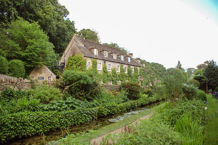 Cotswolds - Bibury - The Swan - Beautiful English villages