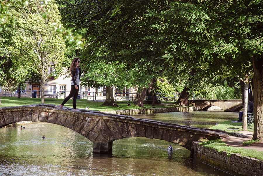 Cotswolds - Bourton on the Water - Prettiest villages in the Cotswolds - Stone bridges