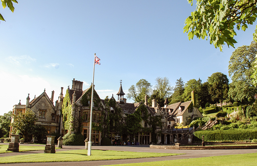 Cotswolds - The Manor House hotel