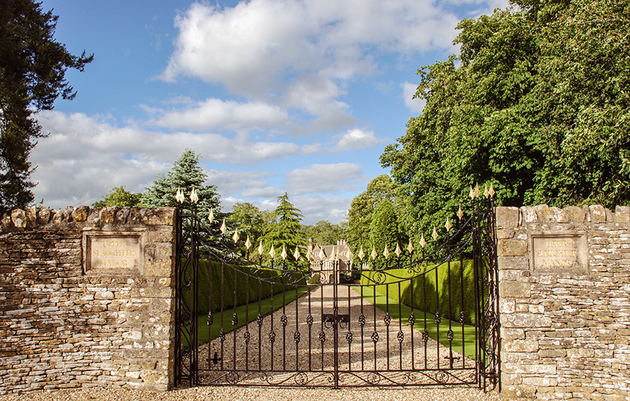 Cotswolds - Upper Slaughter Manor - wrought iron gates