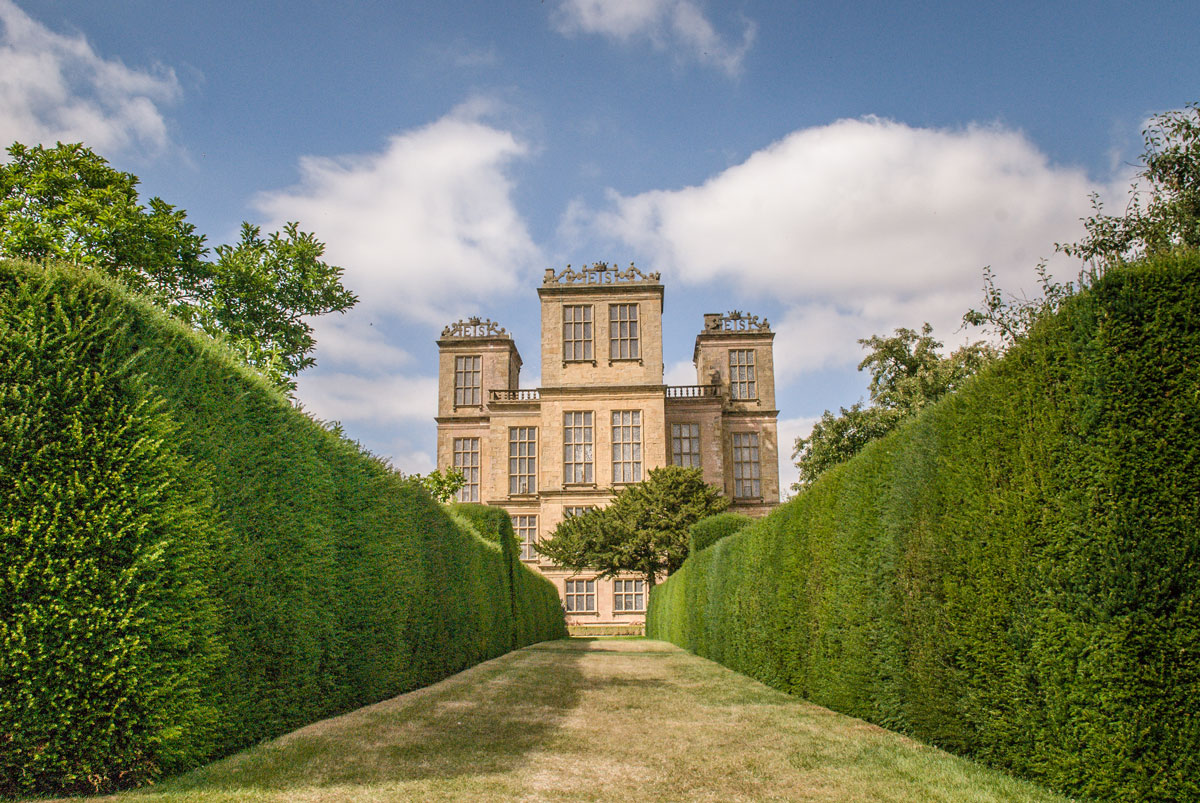 Hardwick-Hall-Chesterfield---More-Glass-than-Wall