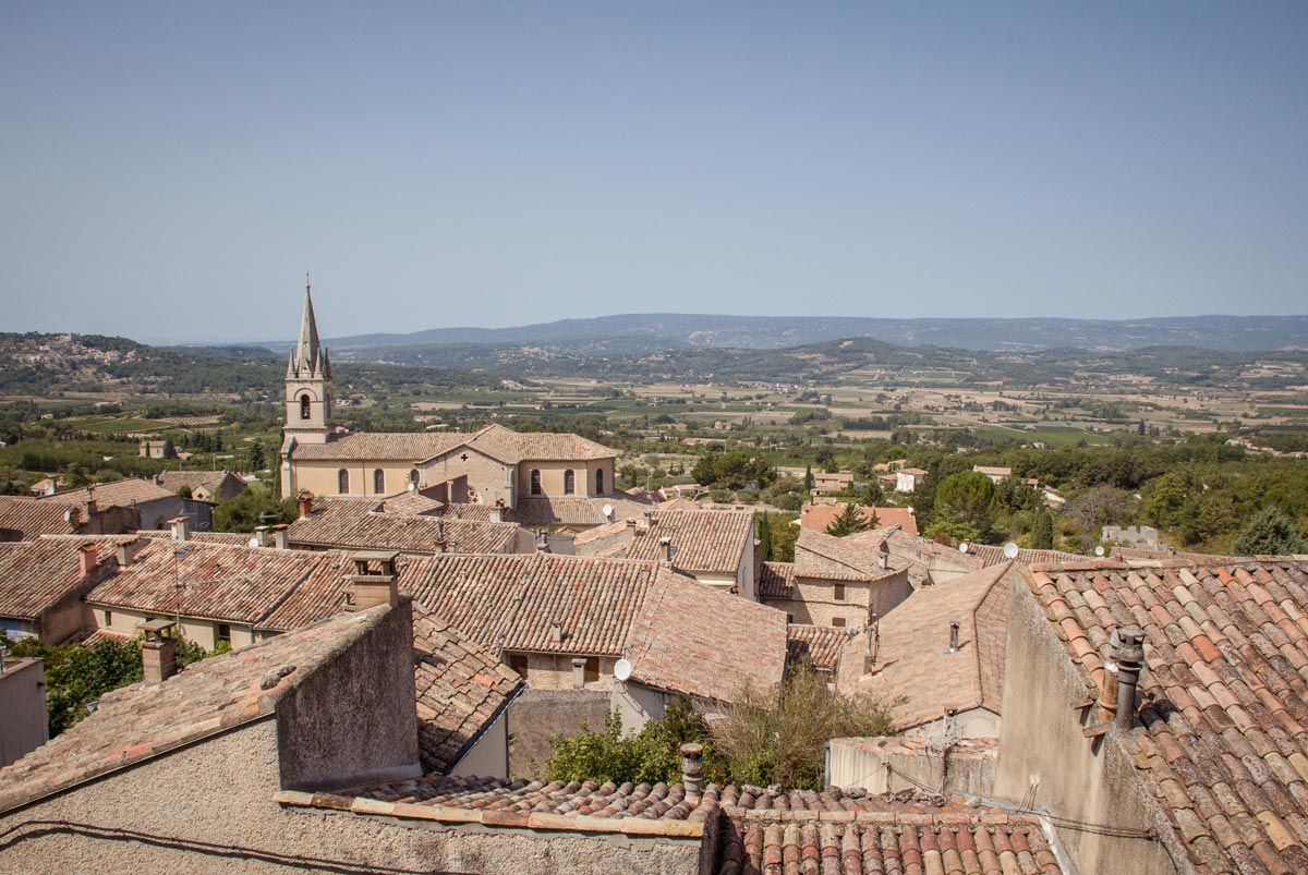 Provence-Villages-South-of-France.-Provence-Luberon.-Bonnieux-hill-village.-View-over-vineyards