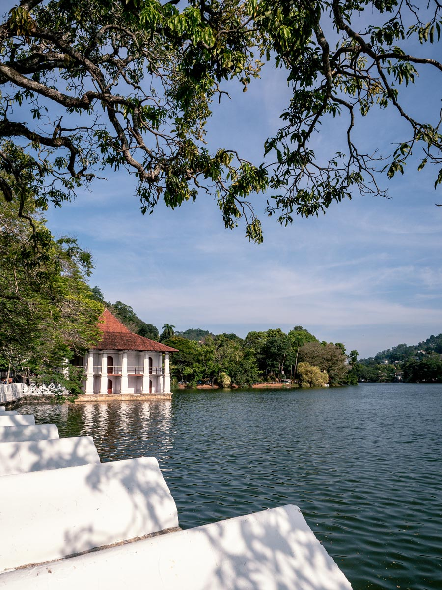 Kandy Lake temple of the sacred tooth relic Sri Lanka Itinerary